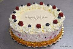 tort orez cu lapte cu zmeura afine reteta Tiramisu, Deserts, Birthday Cake, Ethnic Recipes, Cakes, Food, Sweets, Birthday Cakes, Desserts