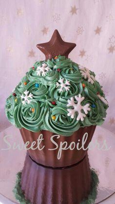 Giant cupcake, Christmas theme