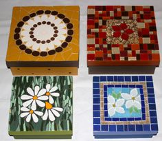 Caixas em mosaico, box mosaic, by Schandra mosaico Mosaic Tray, Mirror Mosaic, Mosaic Glass, Mosaic Tiles, Stained Glass, Glass Art, Mosaic Crafts, Mosaic Projects, Mosaic Designs