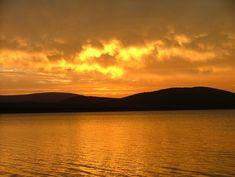 Sunset over Lake Jozini. #pongolagamereserve #pongola #kzn #southafrica #tourism #tigerfishing #fishing #gamedrives #boatcriuses #rhinotracking #gamereserve #fullycatering #selfcatering #lodge #fishingboathire #guidedwalks #flyfishing #jozini #lakejozini #nkwazilakelodge #mvuburiverlodge #mpalanefishinglodge #inyatilodge #sondababushlodge #mhlozibushlodge #birding #wildlife #Joziniaccommodation #accommodationinjozini #attractions #jozinidamaccommodation #pongolaaccommodation Fishing Boats, Fly Fishing, Kwazulu Natal, Game Reserve, Tourism, Wildlife, Sunset, Water, Outdoor
