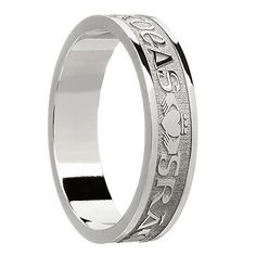 Boru Women's Sterling Silver Gra Dilseacht Cairdeas Wedding Band Ring