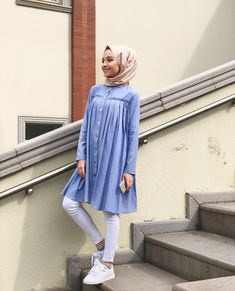 Splendid Hijab Ideas For Working Hijab Chic, Modest Fashion Hijab, Modern Hijab Fashion, Street Hijab Fashion, Hijab Fashion Inspiration, Islamic Fashion, Muslim Fashion, Modest Outfits, Casual Outfits