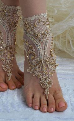 ♠ Champagne french lace sandals wedding anklet Beach by newgloves ♠ Wedding Accessories, Jewelry Accessories, Fashion Accessories, Bare Foot Sandals, French Lace, Anklets, Body Jewelry, Feet Jewelry, Beach Jewelry