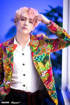 BTS Bangtan Sonyeondan Kim Taehyung Tae V TaeTae CGV Have I mentioned I'm living/dying for his pink/peach/blonde hair? Actually, I wonder who isn't! Stream Idol you guys! Bts Taehyung, Jhope, Yoongi, Bts Bangtan Boy, Taehyung Photoshoot, Foto Bts, Bts Photo, V Bts Cute, Bts Love