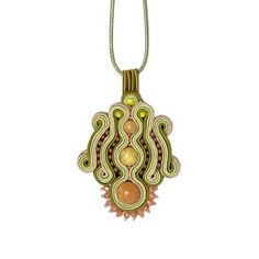 Evergreen olive opal vintage soutache necklace #soutache #soutachejewelry #gemstone #gemstonejewelry #green #evergreen