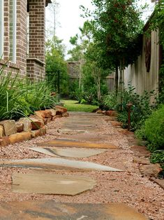 traditional landscape by Stewart Land Designs - nice side yard design Small Front Yard Landscaping, Backyard Landscaping, Landscaping Ideas, Walkway Ideas, Backyard Ideas, Path Design, Landscape Design, Design Ideas, Landscape Photos