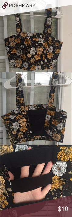 NWOT Cage Floral Crop Top Super cute! Forever 21 brand size large  Forever 21 Tops Crop Tops