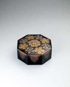 蒔絵八角箱「花紋」