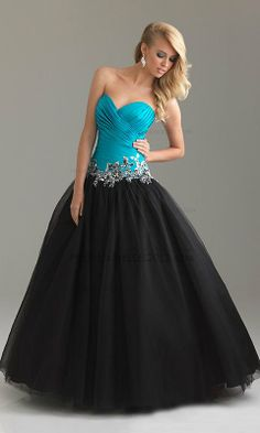 A Line Strapless Sweetheart Tulle Ball Gown Long Prom Dresses with Applique http://www.hotpromdresses2013.com/