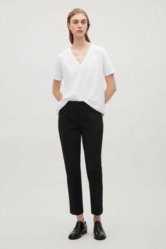 COS   V-neck cotton t-shirt