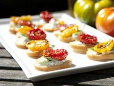 Receta: bocadillos con dip de queso ricotta. Fácil, rápido y perfecto para las visitas inesperadas.