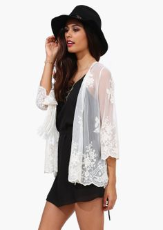 lace kimono....I'm obsessed with the lace kimono and the hat.