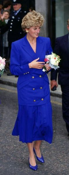 Diana in royal blue