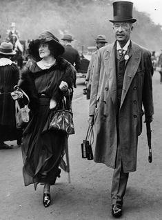 История жизни леди Альмины Герберт, графини Карнарвон была бы слишком неправдоподобной для придуманного «Аббатства Даунтон», которое снимали в некогда…