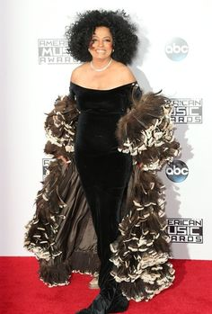 Diana Ross looked glamorous on the red carpet at last night's 42nd Annual American Music Awards in LA. (Picture Perfect) | Closer Weekly