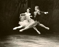 Vladimir Vasiliev and Ekaterina Maximova in Giselle