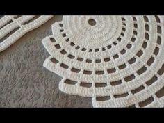 DIY Como tejer escarpines, ballerinas, zapatitos para bebe a crochet, ganchillo - Crochet Pentagon Diy Crochet Tablecloth, Crochet Table Runner Pattern, Crochet Bedspread Pattern, Pillowcase Pattern, Crochet Motif, Crochet Doilies, Crochet Flower, Hand Crochet, Crochet Decoration