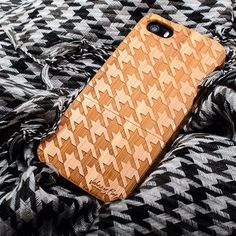 Houndstooth Engraved Bamboo iPhone 5/5s Case by Johnny Fly FANCY