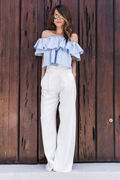 grunge look inspiratiom / boots + rips + top + black denim jacket Style Casual, Casual Outfits, Cute Outfits, Fashion Outfits, My Style, Summer Getaway Outfits, Summer Work Outfits, Outfit Summer, White Wide Leg Pants