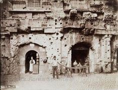 Book your ideal vacation apartment in Rome online with Rome Accommodation, look at photos and details. Old Pictures, Old Photos, Rome Florence, Best Cities In Europe, Roman Theatre, Roman History, War Photography, Vintage Italy, Rome Travel
