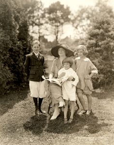 Ethel Barrymore, the great aunt of actress Drew Barrymore, shown here with her three children, Samuel Colt, John Drew Colt, & Ethel Barrymore Colt.