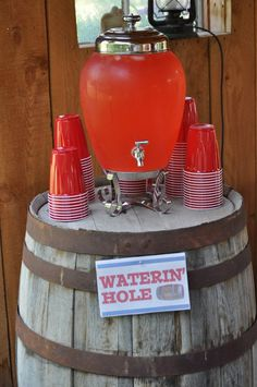 Cowboy Birthday Party Beverages & other Cowboy Party Ideas Rodeo Birthday, Cowboy Birthday Party, Farm Birthday, 1st Birthday Parties, Birthday Table, Cowboy Theme Party, Country Birthday Party, Birthday Ideas, Cowgirl Party Food