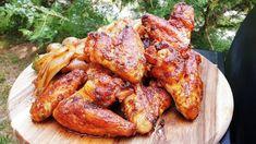 Csípös csirkeszárnyak a nagy kedvenc Pit Boss grillen /Szoky konyhája / Tandoori Chicken, Chicken Wings, Grilling, Meat, Ethnic Recipes, Boss, Youtube, Cilantro, Red Peppers