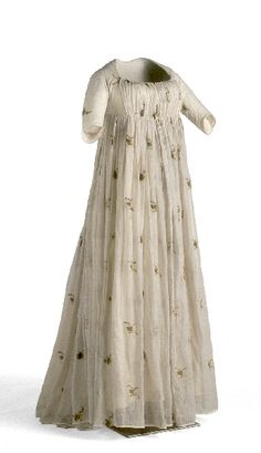 Round gown 1795-1805. Barely 18th century. Source Unknown , post if you know it.