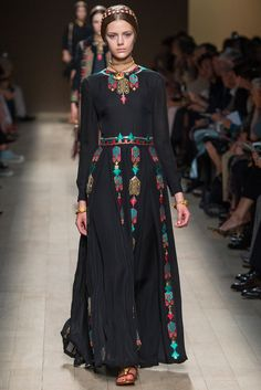 http://www.style.com/slideshows/fashion-shows/spring-2014-ready-to-wear/valentino/collection/8