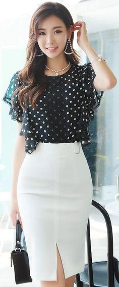StyleOnme_Pearl Accent D-Shaped Buckle Front Slit Pencil Skirt #white #pencilskirt #feminine #elegant #koreanfashion #kstyle #kfashion #seoul #summerlook