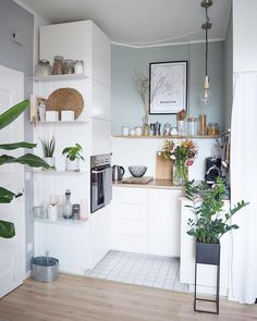 Scandinavian kitchen dream combo: beautiful and functional : ScandinavianInterior Apartment Kitchen, Home Decor Kitchen, Apartment Design, Interior Design Kitchen, Apartment Living, Home Kitchens, Ikea Interior, Tiny Kitchens, Apartment Ideas