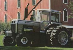 WHITE 2-180/From the cover of the 1978 White Farm Equipment product line brochure