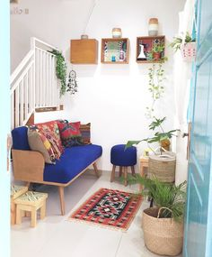 Renovasi Ajaib Rumah Tipe 36 jadi 84, Ini Triknya! Home Design Plans, Home Office Design, House Design, Small Living Rooms, Living Room Designs, Couches For Small Spaces, Deco Boheme, Small Room Decor, Trendy Home