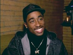Image uploaded by danielly souza. Find images and videos about smile, tupac and on We Heart It - the app to get lost in what you love. Tupac Shakur, 2pac, Mike Tyson Shirt, Chrisette Michele, Smile Gif, Tupac Smile, Tupac Pictures, Tupac Makaveli, Tupac Quotes