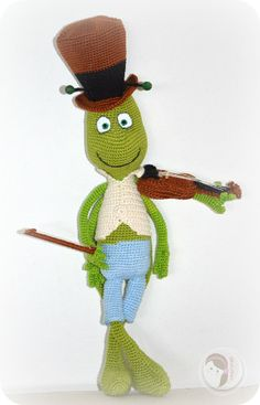 2000 Free Amigurumi Patterns: Flip the grasshopper
