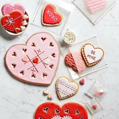 We've got a lurve thing for these giant heart cookie cutters from Williams Sonoma Australia - see more of our favourite insta-inspo on instagram @sweet_magazine