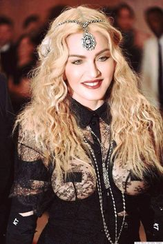 Check out Madonna @ Iomoio Madonna Fashion, Madonna 80s, Lady Madonna, Madonna Mode, Divas Pop, Madonna Pictures, Rock Chic, Material Girls, Celebs