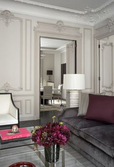 Parisian elegance, interior design | Find the best interior design ideas at http://www.brabbu.com/en/inspiration.php