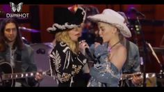 Miley Cyrus et Madonna en duo Madonna, Namaste, Miley Cyrus Songs, Rihanna, Dalida, Mtv Unplugged, Music Videos, In This Moment, Concert