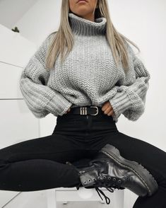 Winter Fashion Trends 2020 for Casual Outfits Winter Fashion Outfits, Fall Winter Outfits, Look Fashion, Autumn Fashion, Summer Teen Fashion, Winter Outfits Tumblr, Tumblr Outfits, Fashion Fashion, Vintage Fashion