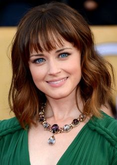 Alexis Bledel & Vincent Kartheiser Are Married, Tied the Knot Back in June! Alexis Bledel and Vincent Kartheiser are now a married couple! Lob Haircut With Bangs, Haircut For Big Forehead, Haircuts With Bangs, Bangs Hairstyle, Bangs With Medium Hair, Medium Hair Cuts, Medium Hair Styles, Short Hair Styles, Long Bob With Bangs