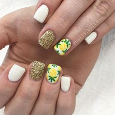 """55 Likes, 1 Comments - Liz Henson (@nails.byliz) on Instagram: """"She's all ready for HAWAII!!  . . . . #nails #gelnails #acrylicnails #nailstagram #hawaii…"""""""