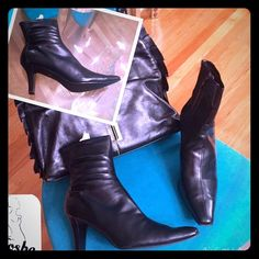 Black Above the Ankle Boots Black above the ankle boots. Boots gave scrunch effect @ the top, 3 inch wide wood heel, square toe. In excellent condition. Zipper on inside. Unlisted Shoes Ankle Boots & Booties