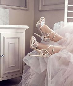 La nouvelle collection Jimmy Choo Mariage 2016 http://www.vogue.fr/mariage/adresses/diaporama/la-nouvelle-collection-jimmy-choo-mariage-2016/25094#la-nouvelle-collection-jimmy-choo-mariage-2016-7