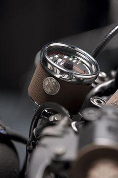 Yamaha Scrambler Edition by Dream Wheels Heritage Yamaha Cafe Racer, Tw Yamaha, Cb750 Cafe, Steampunk Motorcycle, Scrambler Motorcycle, Motorcycle Gear, Guzzi V7, Moto Guzzi, Moto Fest