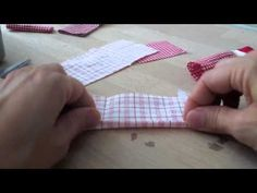 Nussknacker - YouTube Fingerless Gloves, Arm Warmers, Youtube, Quilts, Christmas, Box, Life, Scrappy Quilts, Xmas