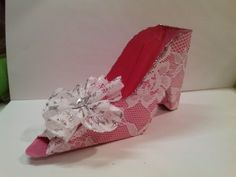 The pink lace PAPER shoe.