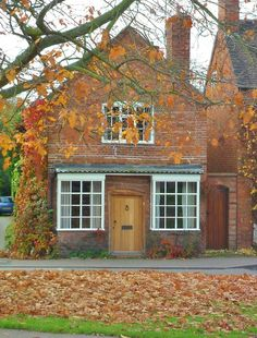 vwcampervan-aldridge:  Tiny Cottage with autumn Leaves, Abbots Bromley, Staffordshire, England All Original Photography byhttp://vwcamperva...