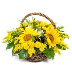 Comandă online o combinație încântătoare de floarea-soarelui și trandafiri! Coș cu flori galbene perfect pentru această duminică liniștită #floridelux #flowers #flowerstagram #flowerslovers #florist #roses