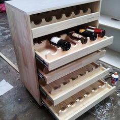 CORTE ROUTER CNC EN MUEBLE MADERA PINO FINGER Wine Rack Design, Wine Cellar Design, Wine Cart, Wine Rack Storage, Wood Wine Racks, Drinks Cabinet, Wine Bottle Holders, Wine Cabinets, Router Cnc